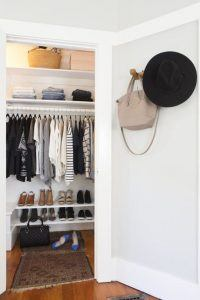 How to stay organised in a small wardrobe!